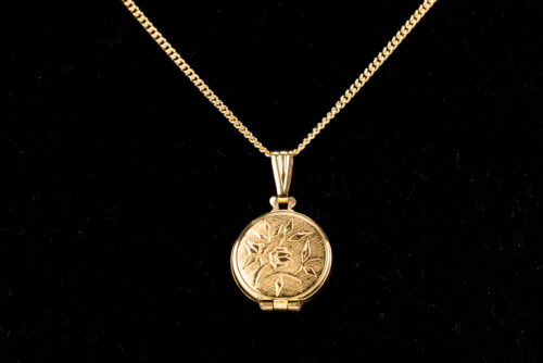 Silver Round Floral Locket Pendant & Necklace